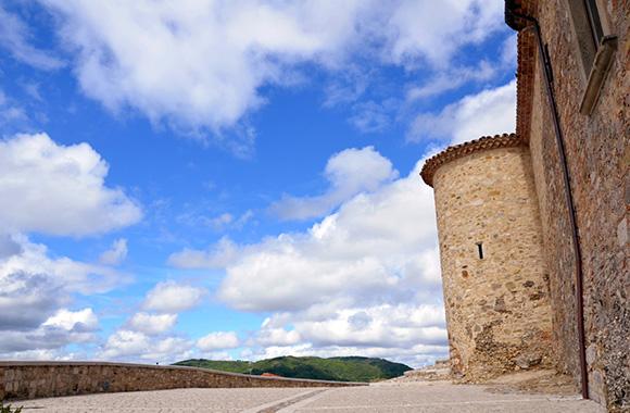 Morra De Sanctis, il castello Biondi Morra