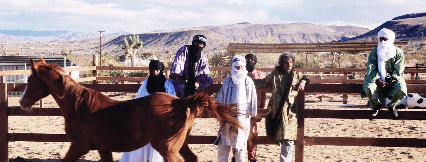 Tinariwen-Emmaar-BIG-2013-MArie-Planeille