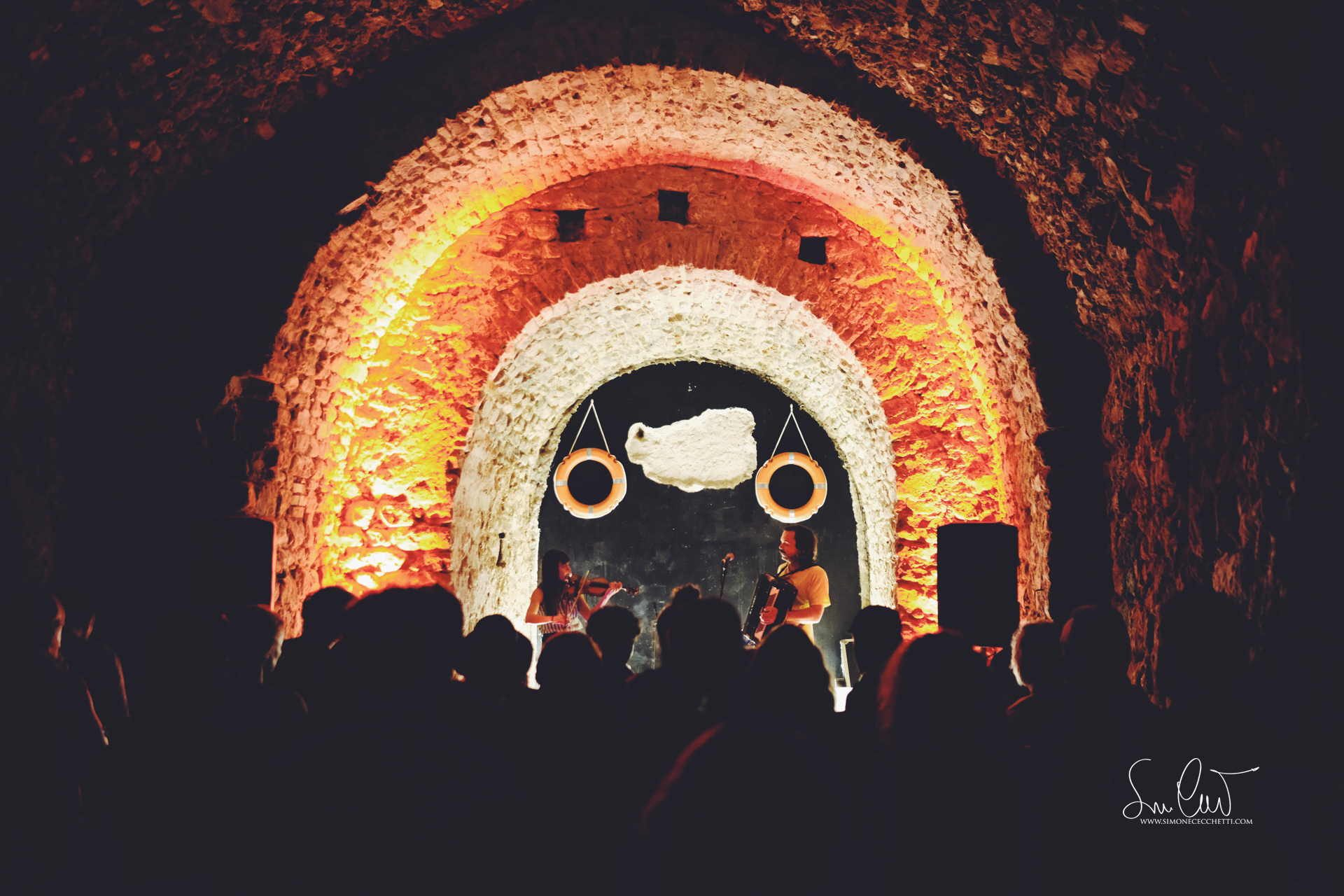 Hack and The Hacksaw in The Grotto. Foto di Simone Cecchetti